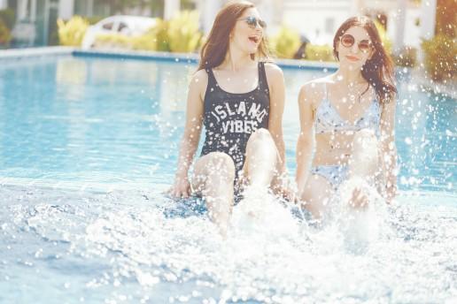 Ponte en forma mientras disfrutas en la piscina